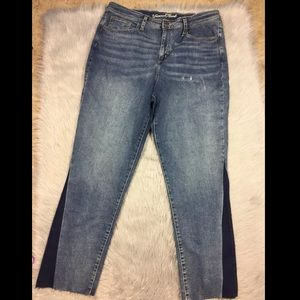Universal thread high rise straight jeans 16